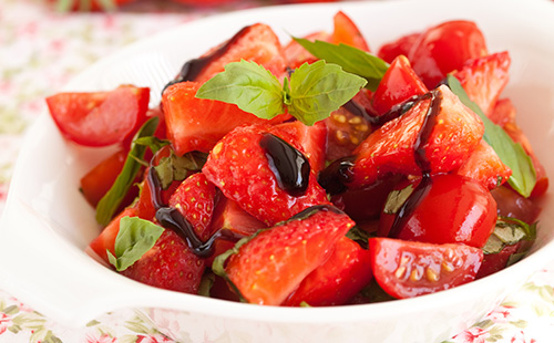 Tartare tomate-fraise au balsamique