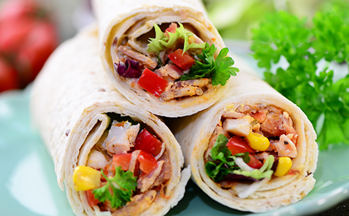 Wraps BLT (bacon-laitue-tomate)