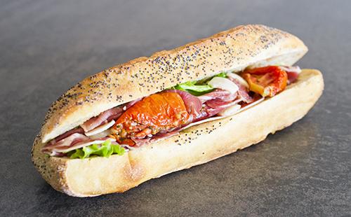 Sandwich au jambon cru et tomates confites