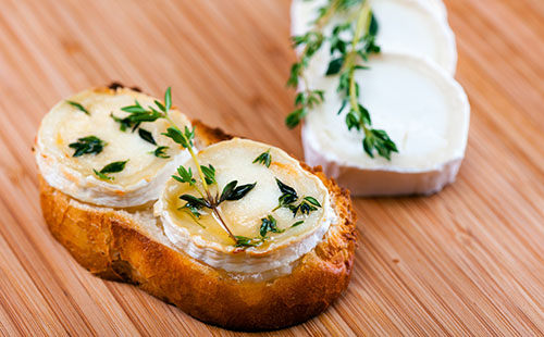Tartines de fromage au micro-ondes