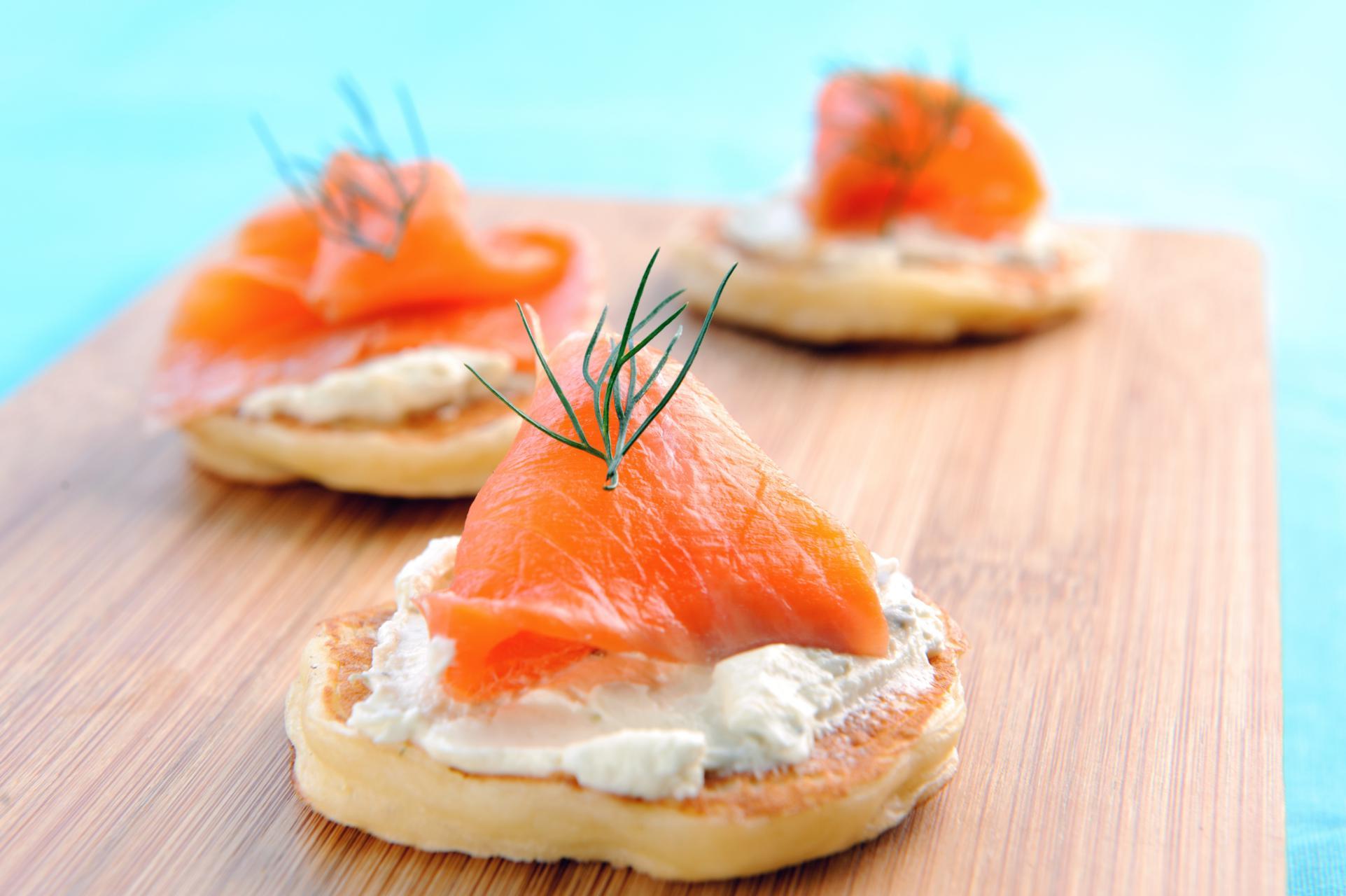 Blinis sans gluten au saumon et fromage frais