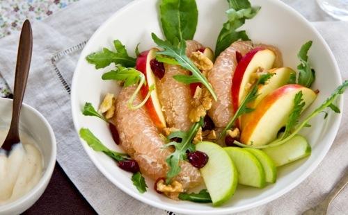 Salade de pamplemousse aux pommes et fruits secs