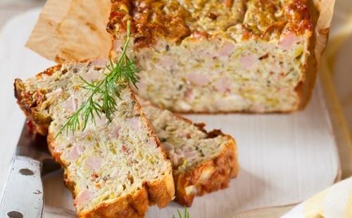 Cake aux courgettes et au jambon
