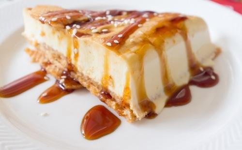 Cheesecake banane, sauce caramel au lait de coco et rhum
