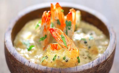 Curry de crevettes au yaourt et aux fruits
