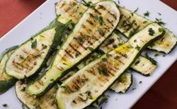 Courgettes grillées à l'huile d'olive