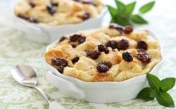 Pudding rétro aux raisins secs