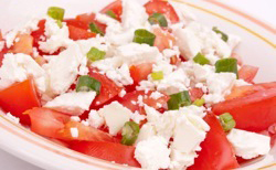 Chèvre et tomate en salade