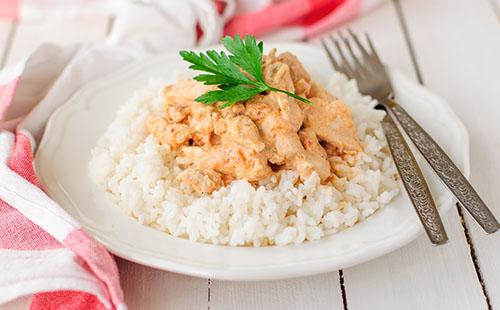 Poulet au paprika, riz