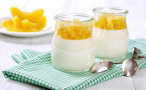 Panna cotta à la crème de lait et à la mangue