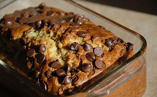 Cake bananes - pommes et pépites de chocolat