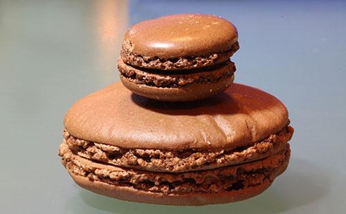 Macaron géant au chocolat