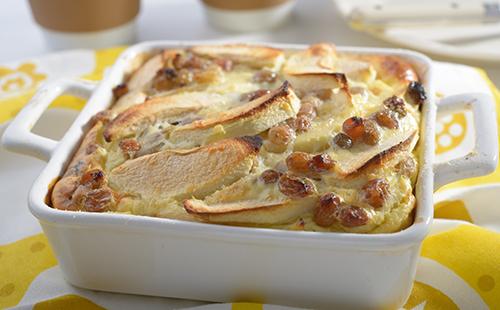 Clafoutis végétalien aux pommes et raisins secs