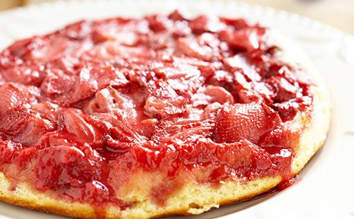 Cake renversé aux fraises