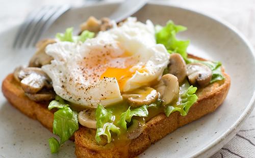 Wecook tartine aux champignons et oeuf poch - Cuisiner pour une personne ...