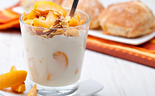 Yaourt croustillant à l'abricot
