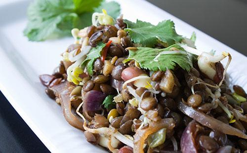 Salade de lentilles et pois chiches à la mexicaine