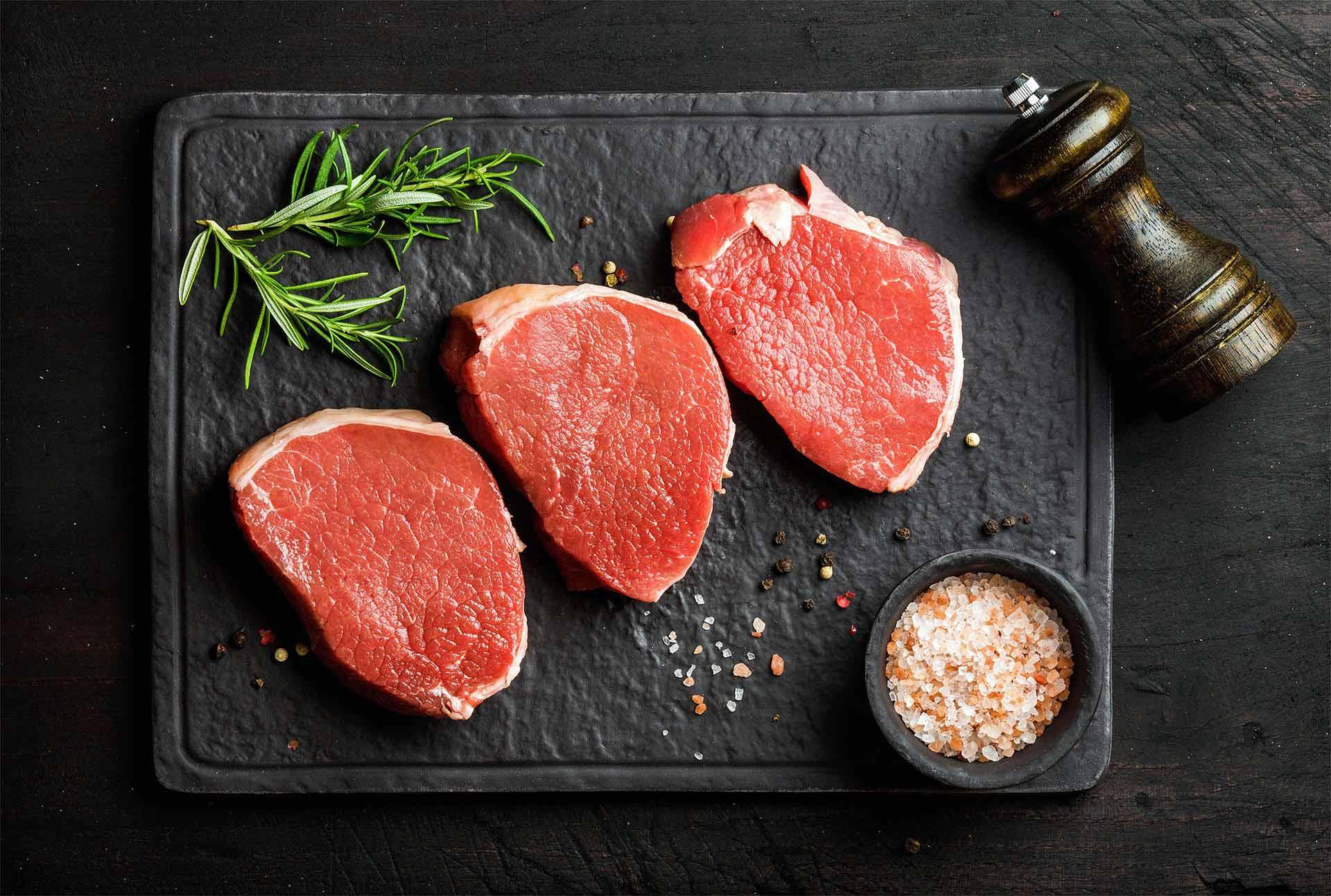 Tournedos de bœuf, sauce camembert et haricots verts