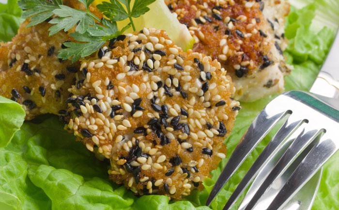 Poulet en croûte de sésame et son riz basmati