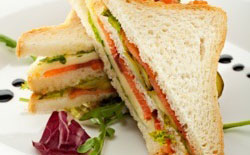 Club sandwich saumon-avocat