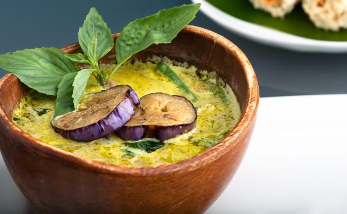 Soupe Tibétaine aux aubergine et lentilles corail