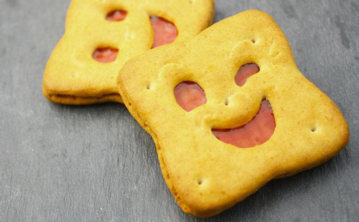 Biscuits fourrés à la fraise façon BN
