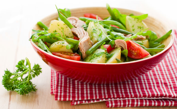 Salade de thon, pomme de terre et tomate