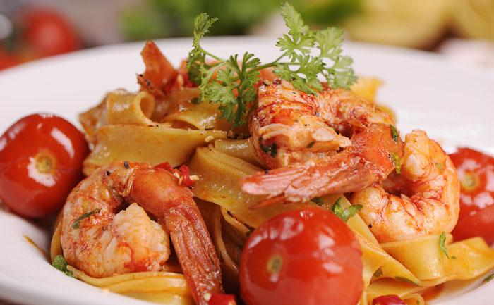 Crevettes à l'armoricaine et tagliatelles