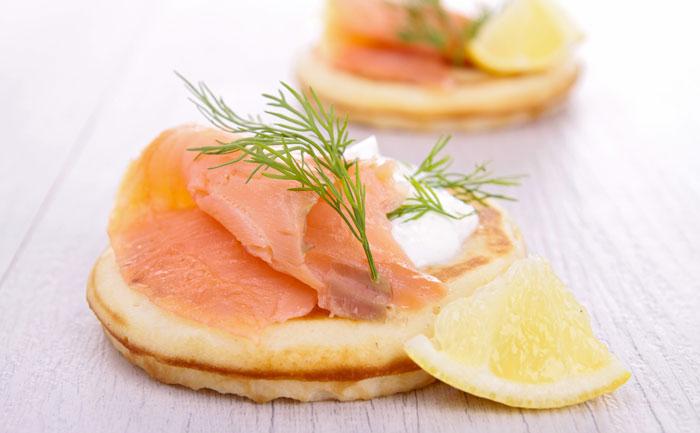 Blinis au saumon fumé et à la crème