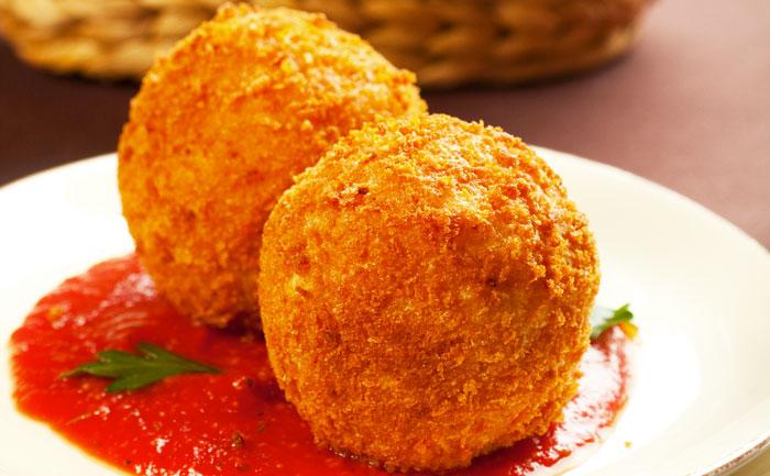Beignets sans gluten et sa sauce tomate