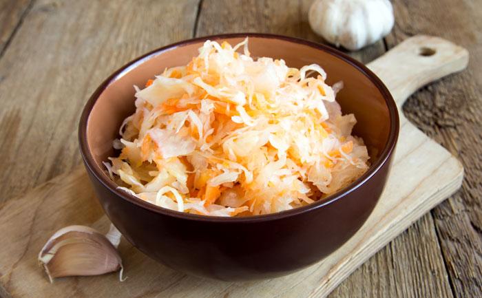 Salade de choucroute aux carottes et pommes