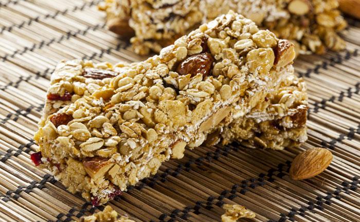 Barres de céréales aux amandes et raisins