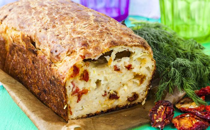 Cake à la mozzarella et aux légumes du soleil sans gluten