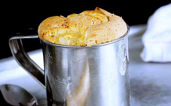 Mug cake au gruyère