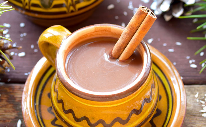 Chocolat chaud mexicain à la cannelle