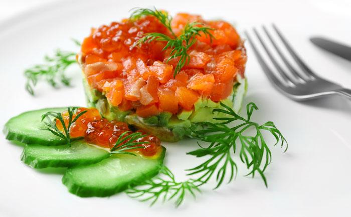 Tartare de saumon, concombre, avocat