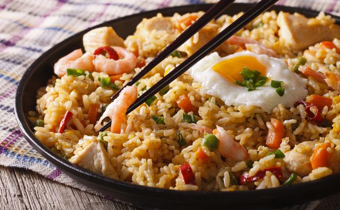 Nasi Goreng (riz sauté à l'indonésienne)