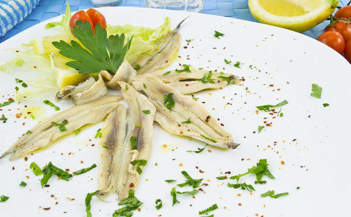 Carpaccio de sardines aux herbes