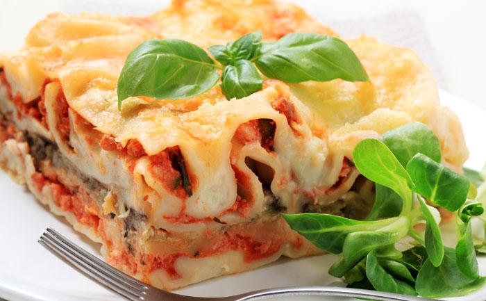 Lasagnes au poulet, parmesan et tomates séchées