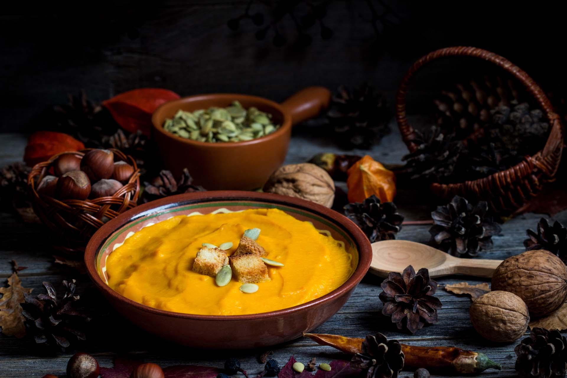 Soupe à la courge aux épices et aux noisettes